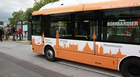 Bus Bombardier avec station de recharge