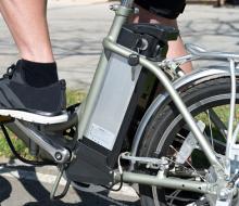 Vélo électrique © ThinkStock - Claudio Valdés