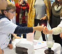 Démonstration expérience sur le dihydrogène auprès du jury